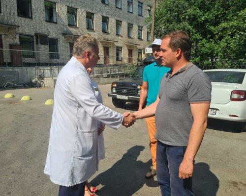 Андрей Рябоконь и ОНФ передали запас СИЗ в ГП №56